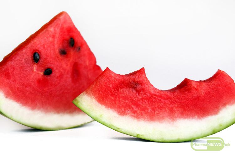 lubenicata-kako-hranlivo-i-osvezitelno-resenie-za-letnite-denovi