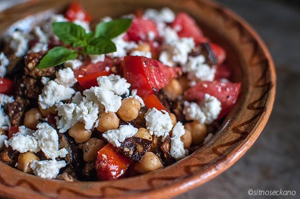 salata-so-naut-i-zaatr