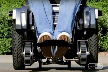 invalidska-kolicka-koja-se-kacuva-po-skali_image