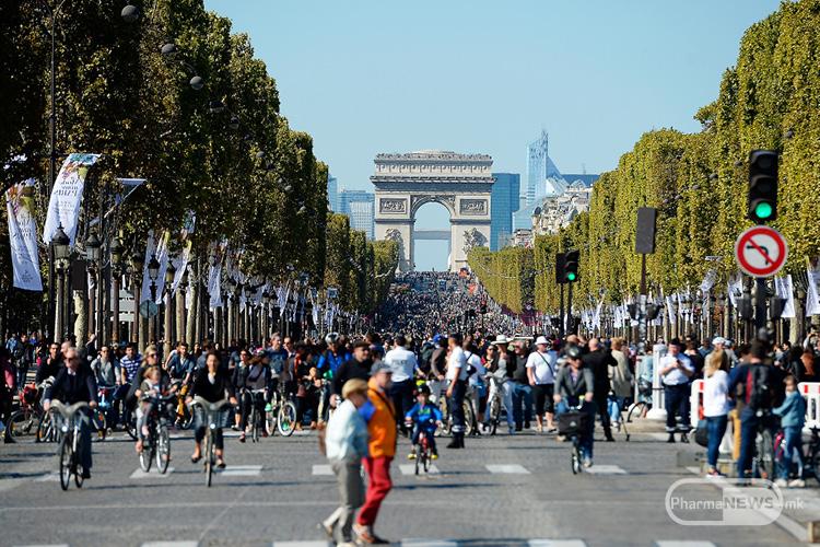 den-bez-avtomobili-vo-pariz-video_image