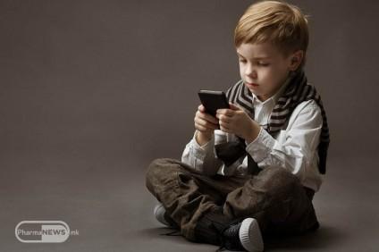 kako-mobilnite-telefoni-vlijaat-vrz-zdravjeto-na-decata_image