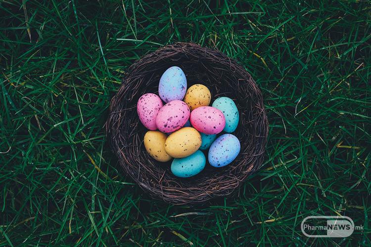 Бојадисување на велигденски јајца со природни бои