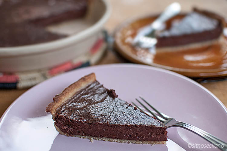 Чоколаден тарт со таан